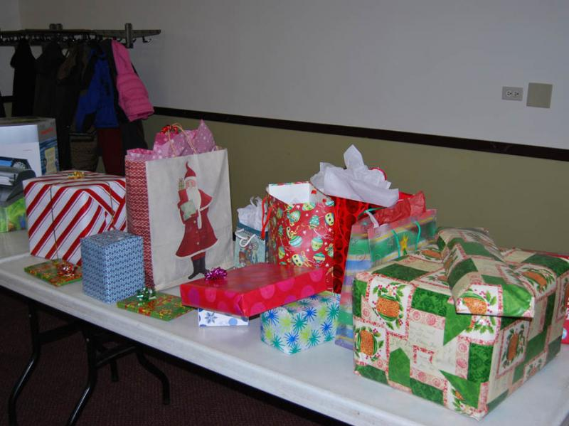 2012_holiday_party_007